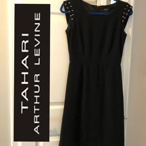 Tahari studded cap sleeve dress in EXC cond!